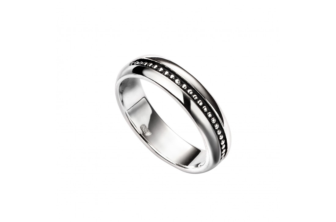 Inset oxidised pattern ring